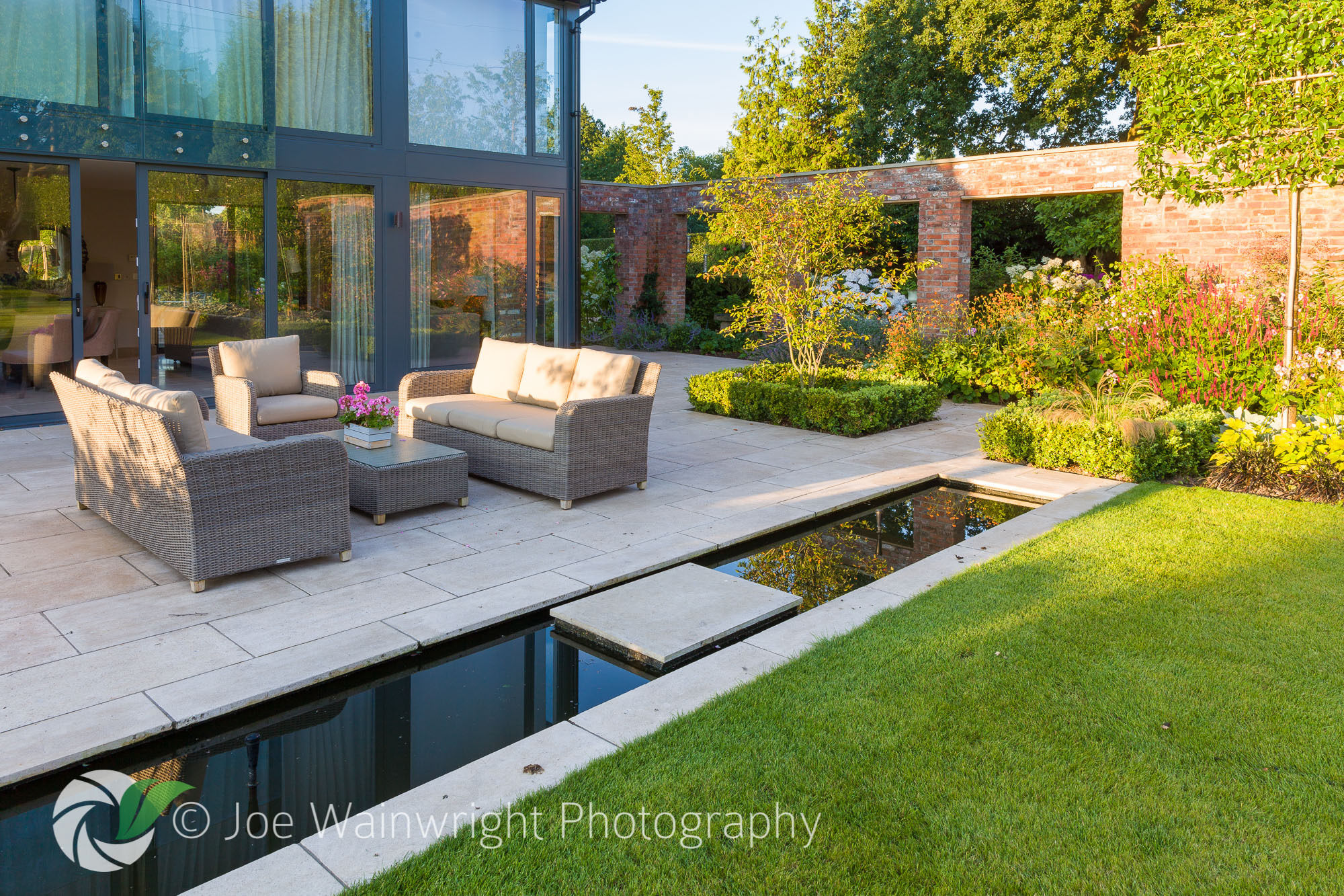 Joe wainwright garden photographer 39 s association for Hard landscaping