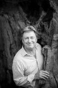 Alan Titchmarsh and old oak tree